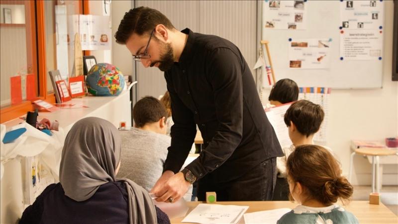 Hollanda yeni İslam Ortaokullarına izin vermiyor
