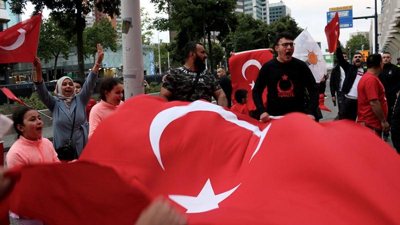 Hollanda'da kaç Türk yaşıyor? Hollanda'da yaşayan Türk sayısı İşte cevabı