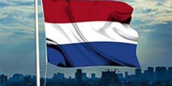 Hollandada mülteci kamplarında ceza uygulaması