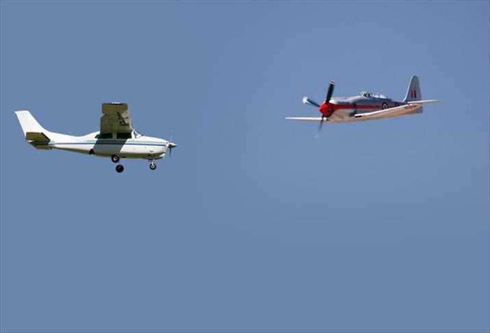 Hollanda'da Tek Motorlu Uçak kazası: 2 kişi öldü
