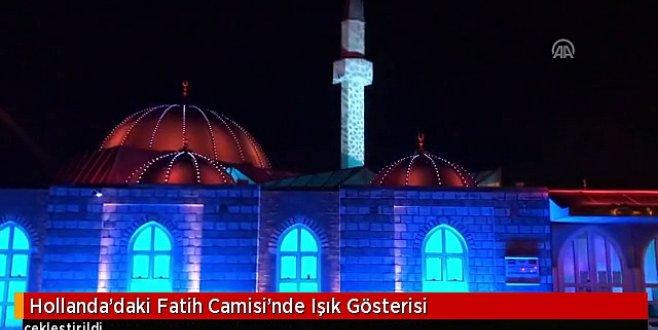 Hollandadaki Fatih Camisinde ışık gösterisi