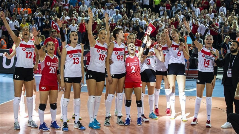 Hollanda'yı 3-0 yenen A Milli Kadın Voleybol Takımı yarı finalde