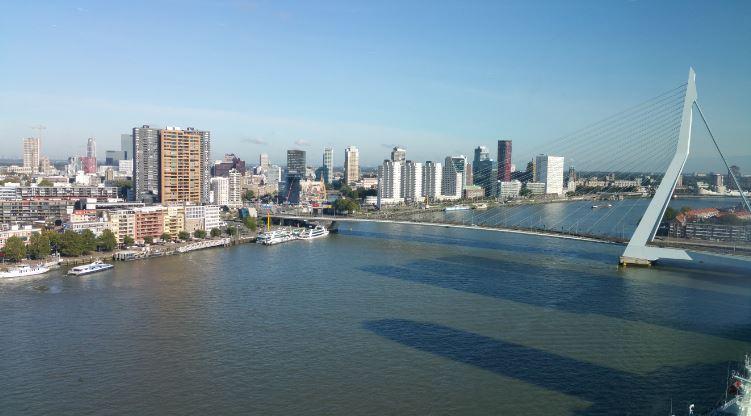 İki Rotterdamlı Para aklamadan gözaltına alındı