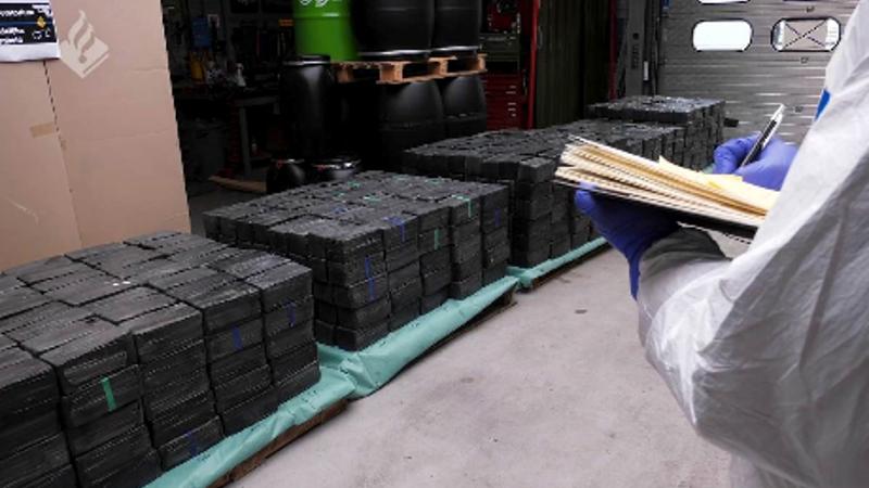 Rotterdam'daki bir işyerlerinde tarihi rekor miktarda uyuşturucu ele geçirildi