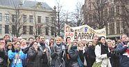 Hollanda'da bugün öğretmenler grevde