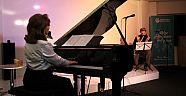 Hollanda'da doğu ve batı klasik müziği konseri