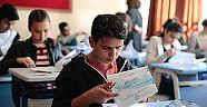 Hollanda'da Orta ve Lise bitirme sınavları başladı
