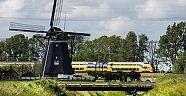 Hollanda'da Rüzgar Enerjisiyle Çalışan Trenler