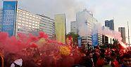 Hollanda 'da Türkler Galatasaray'ın şampiyonluğu kutladı