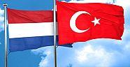 Hollanda'daki Türk toplumu iki ülke arasındaki 400 yıllık insani köprü vazifesi görmektedir