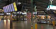 Hollandanın en yoğun havalimanında bıçaklı saldırı