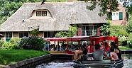 Hollandanın Venediki Giethoorn
