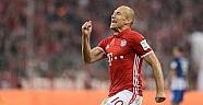 Robben ve Rafinha bir yıl daha Bayern Münihte