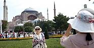Turistler en çok Antalya ve İstanbulu tercih etti