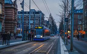 Amsterdam'da toplu taşıma çocuklara belli günler ücretsiz olacak