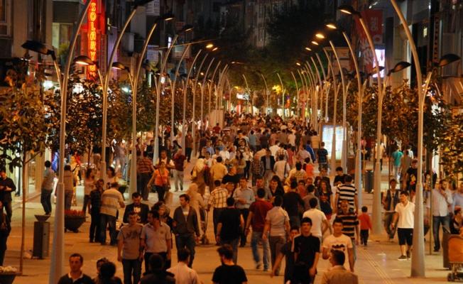 Türkiye'de yaşayan yabancı sayısı arttı, Türkiye'de kaç yabancı yaşıyor?
