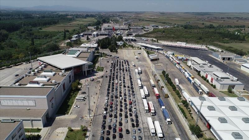 Türkiye'de Yabancı plakalı araçlardan ücret ve ceza tahsilatı başladı