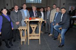 Turkse ondernemers helpen een kerk die in crisis is geraakt