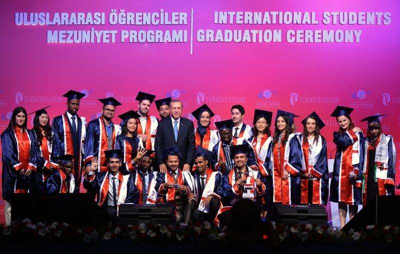 Uluslararası Öğrenciler Mezuniyet Heyecanı Yaşıyor