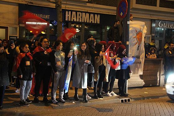 Verzocht om toeterende Turken in Nederland te straffen