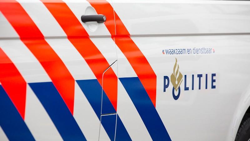 Alphen aan den Rijn'da bıçaklı kavgada bir kişi öldü 3 kişi yaralandı