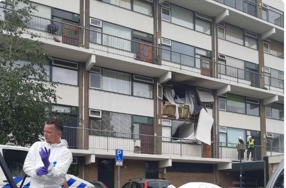Önce karısını öldürdü sonrada daireyi havaya uçurarak intihar etti